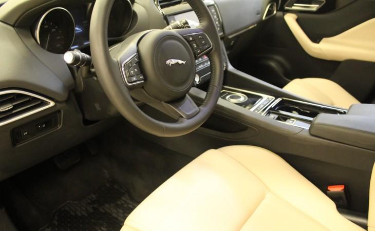 Jaguar F-Pace, 2017