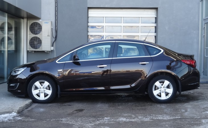 Opel Astra J, 2013